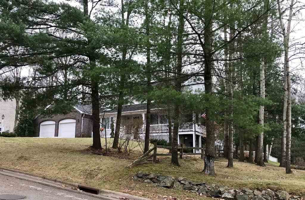 1701 Maple Hill Road, Wausau, WI 54403