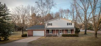 26 Maplewood Drive, Stevens Point, WI 54481