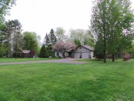 655 S 8th Avenue, Gilman, WI 54433
