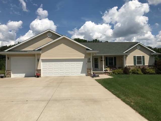 2300 Falcons Cove, Stevens Point, WI 54482