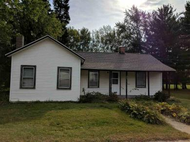 352 Main Street South, Amherst, WI 54406