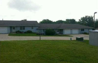 Photo of 1001 Gordon Drive, Knoxville, IA 50138
