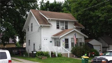 105 E Clinton Avenue, Indianola, IA 50125
