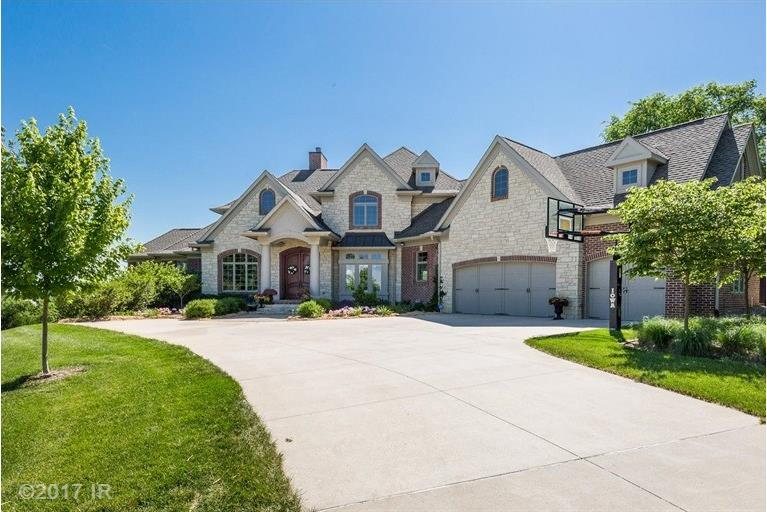 34450 Red Oak Lane, Cumming, IA 50061