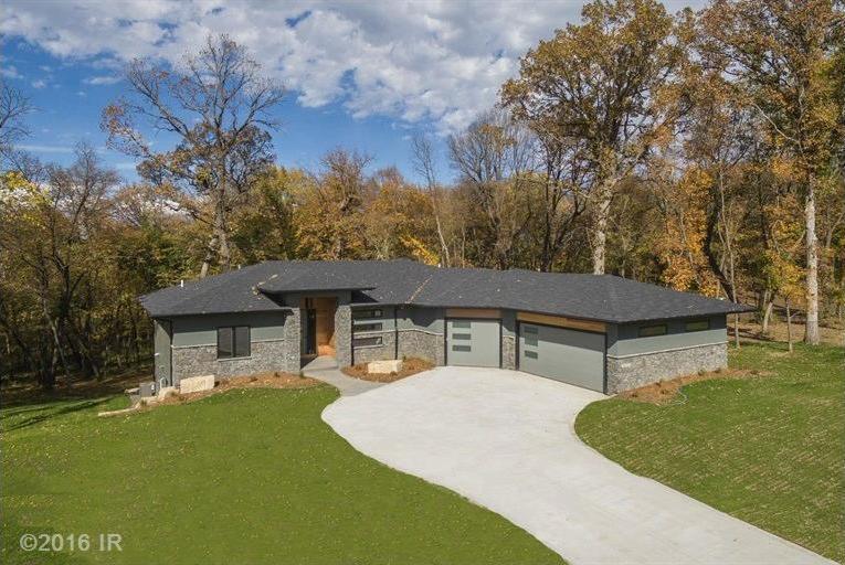 29204 Hickory Lodge Drive, Van Meter, IA 50261