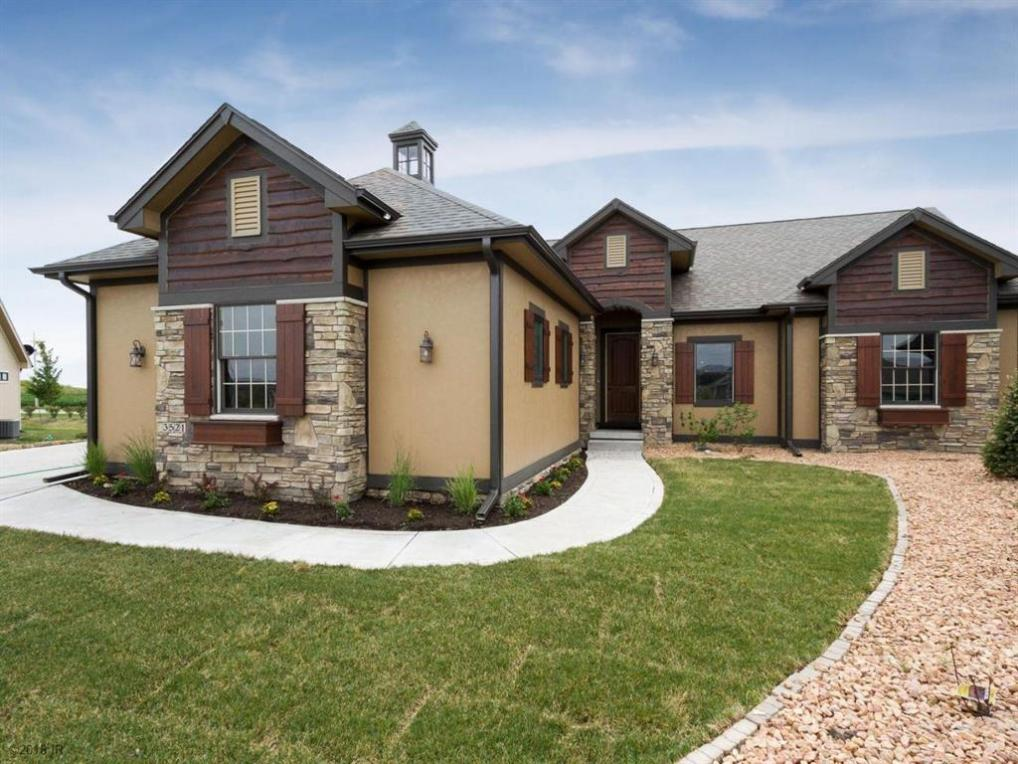 3521 Sunstone Court SE, Altoona, IA 50009