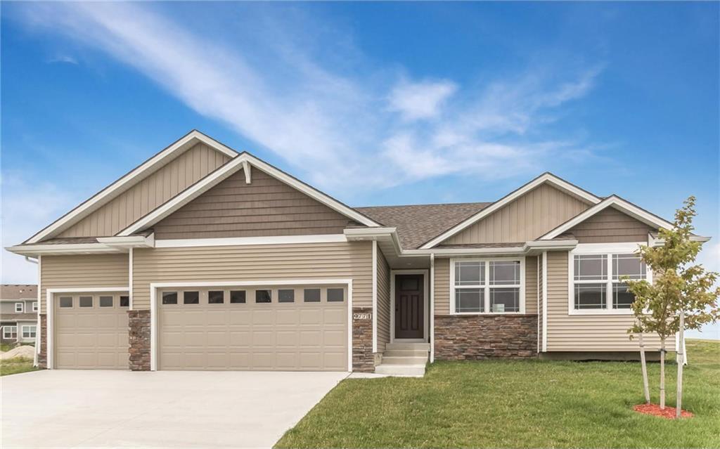 9771 Larchwood Drive, West Des Moines, IA 50266