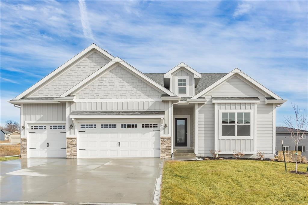 931 Breakwater Place, Polk City, IA 50226