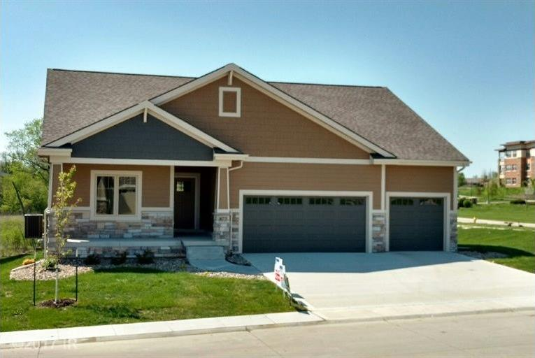 873 S 92nd Street, West Des Moines, IA 50266