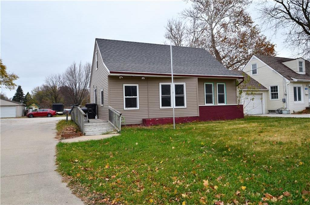 1619 Army Post Road, Des Moines, IA 50315