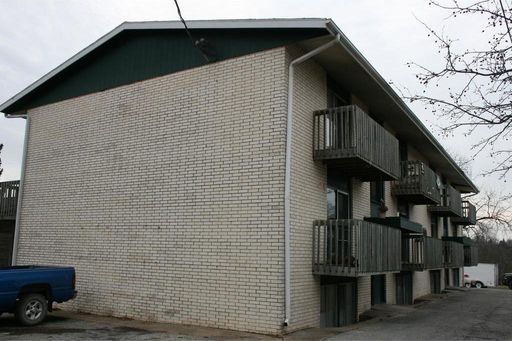 900 Elder Lane, Des Moines, IA 50315
