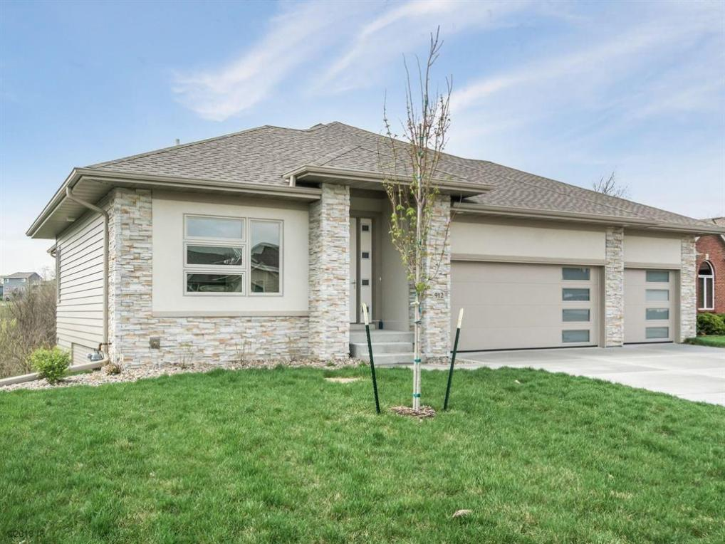 912 NW Boulder Point Place, Ankeny, IA 50023