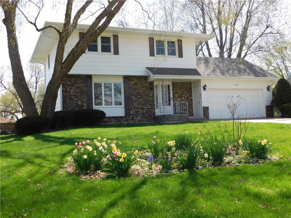 512 13 Avenue, Grinnell, IA 50112