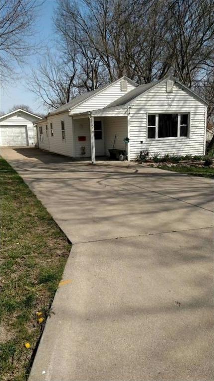 319 Pleasant View Drive, Des Moines, IA 50315