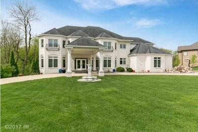 Photo of 3762 Turnberry Drive, West Des Moines, IA 50265