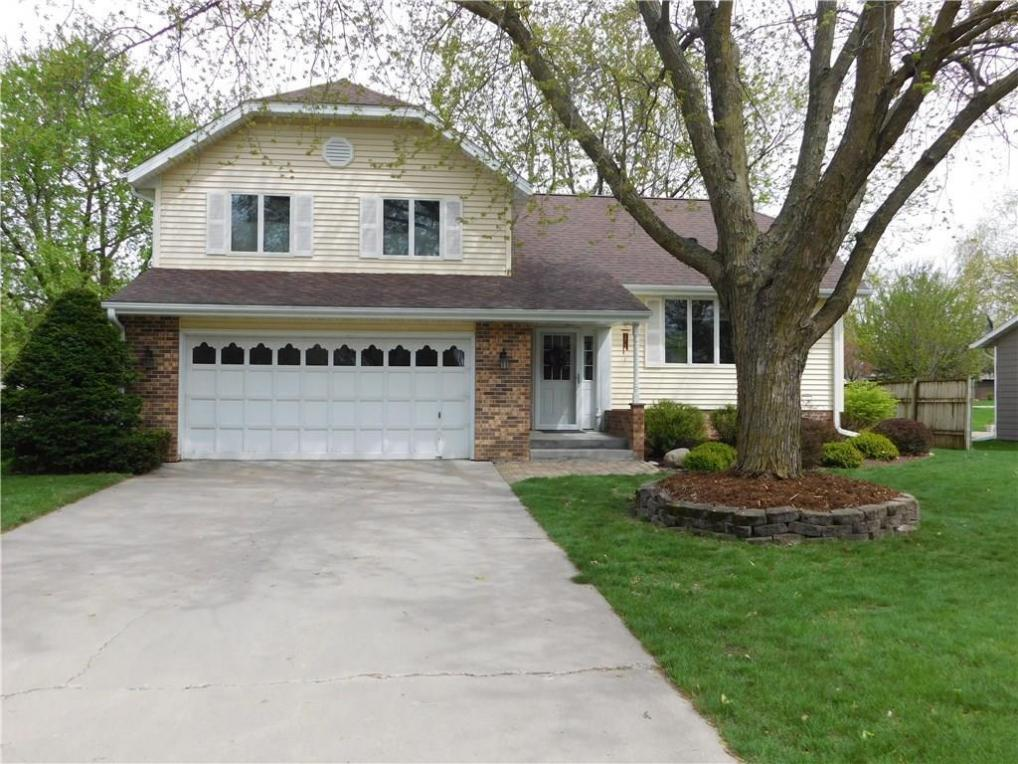 1722 Spring Street, Grinnell, IA 50112