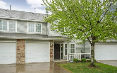 Photo of 2100 Meadow Chase Lane #202, Des Moines, IA 50320