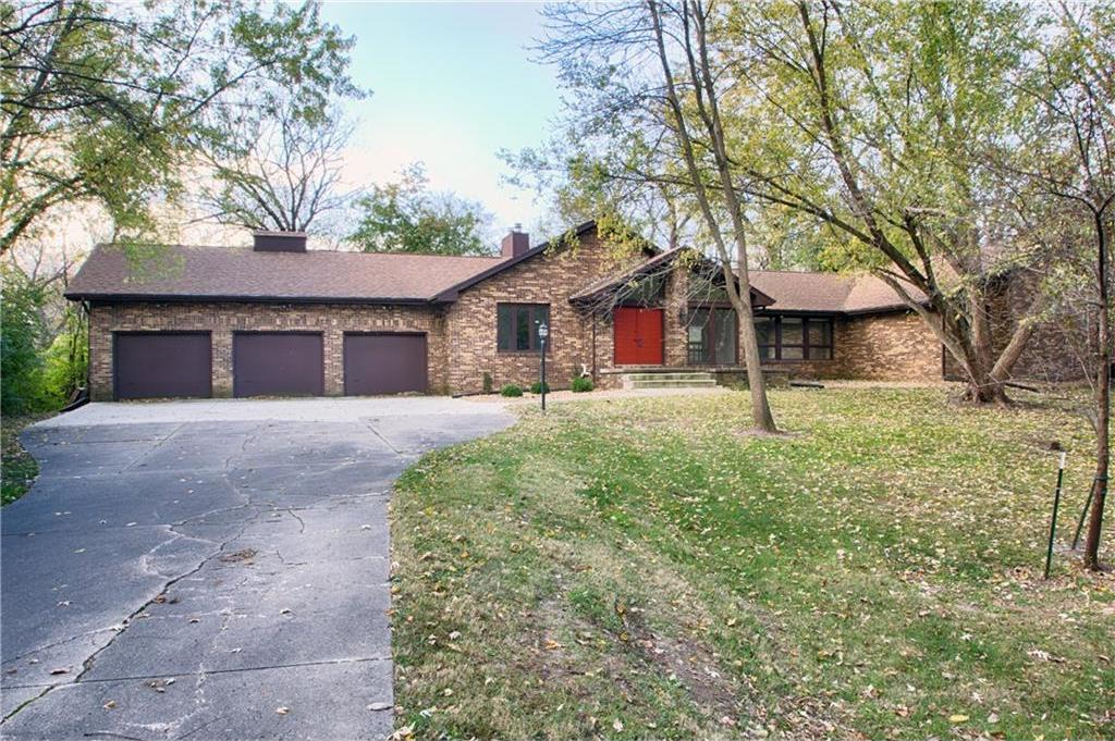 13178 Oak Brook Drive, Urbandale, IA 50323