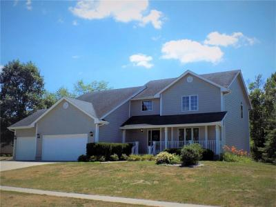Photo of 705 W Scenic Valley Drive, Indianola, IA 50125