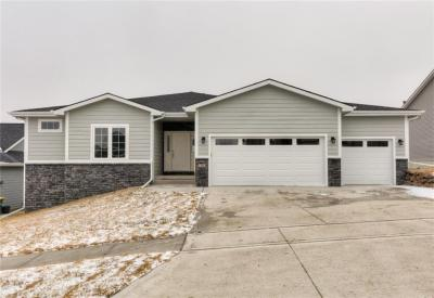 Photo of 106 S 19th Court, Indianola, IA 50125