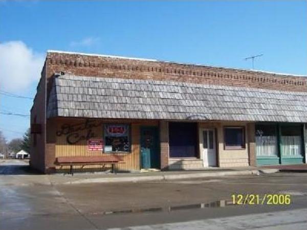 717 Marshall Street, Dexter, IA 50070