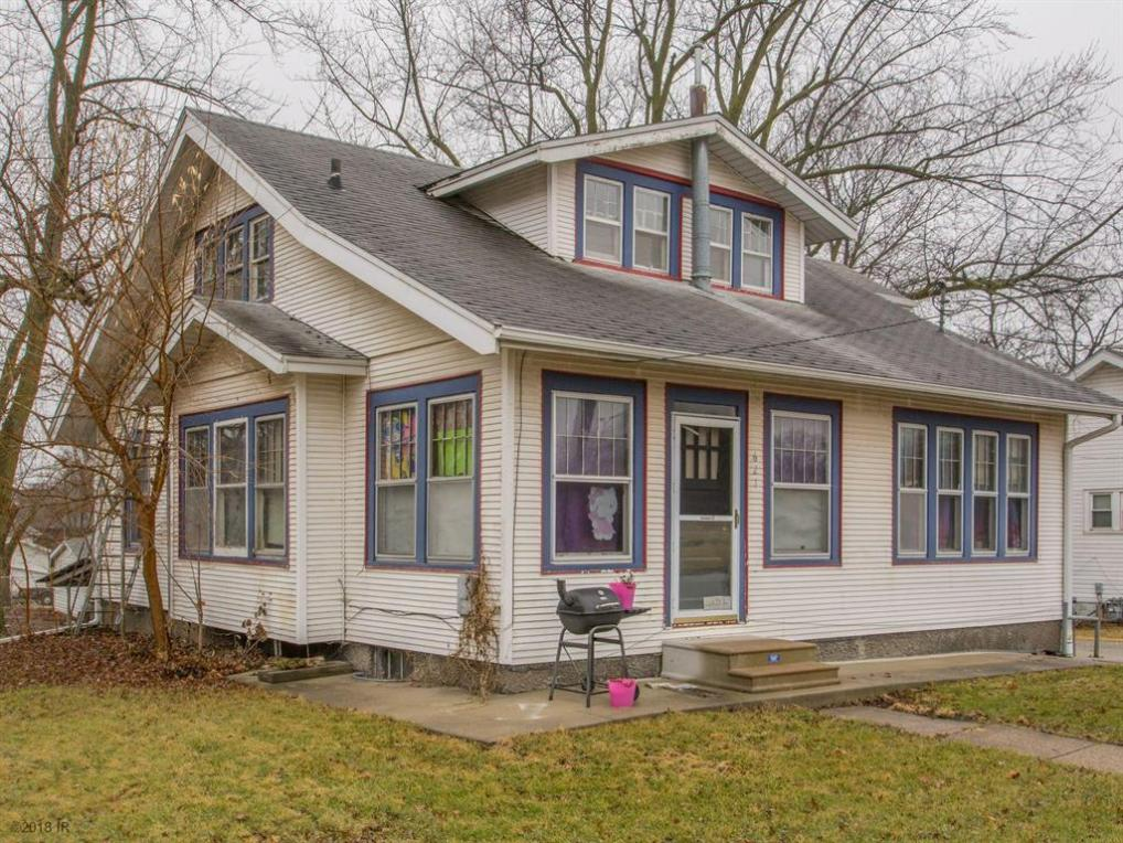 621 N 2nd Avenue W, Newton, IA 50208