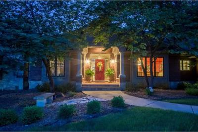 Photo of 4112 Oakwood Lane, West Des Moines, IA 50265