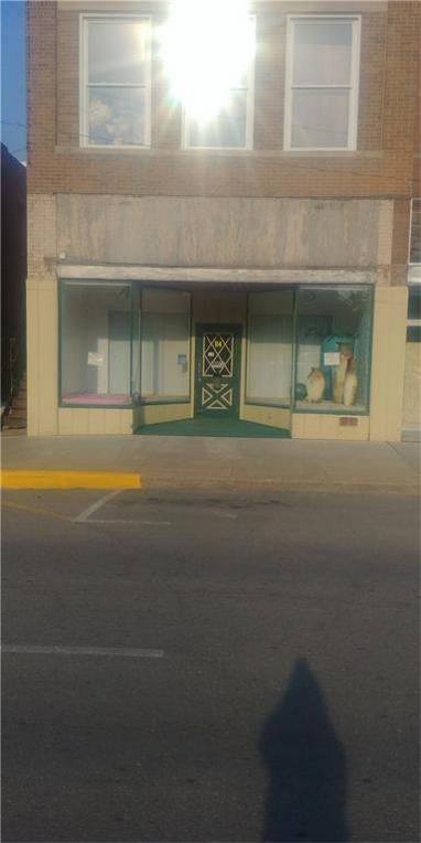 114 N Grand Avenue, Chariton, IA 50049