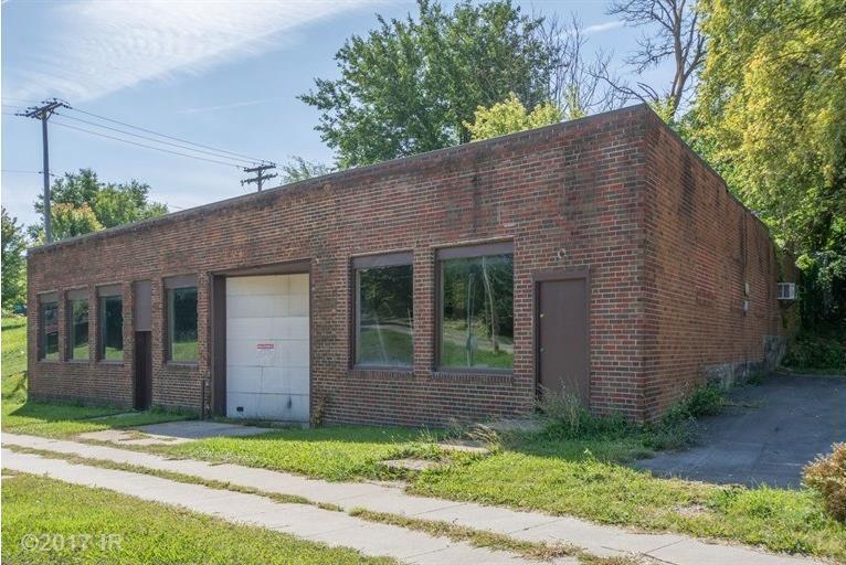 1702 Keosauqua Way, Des Moines, IA 50314
