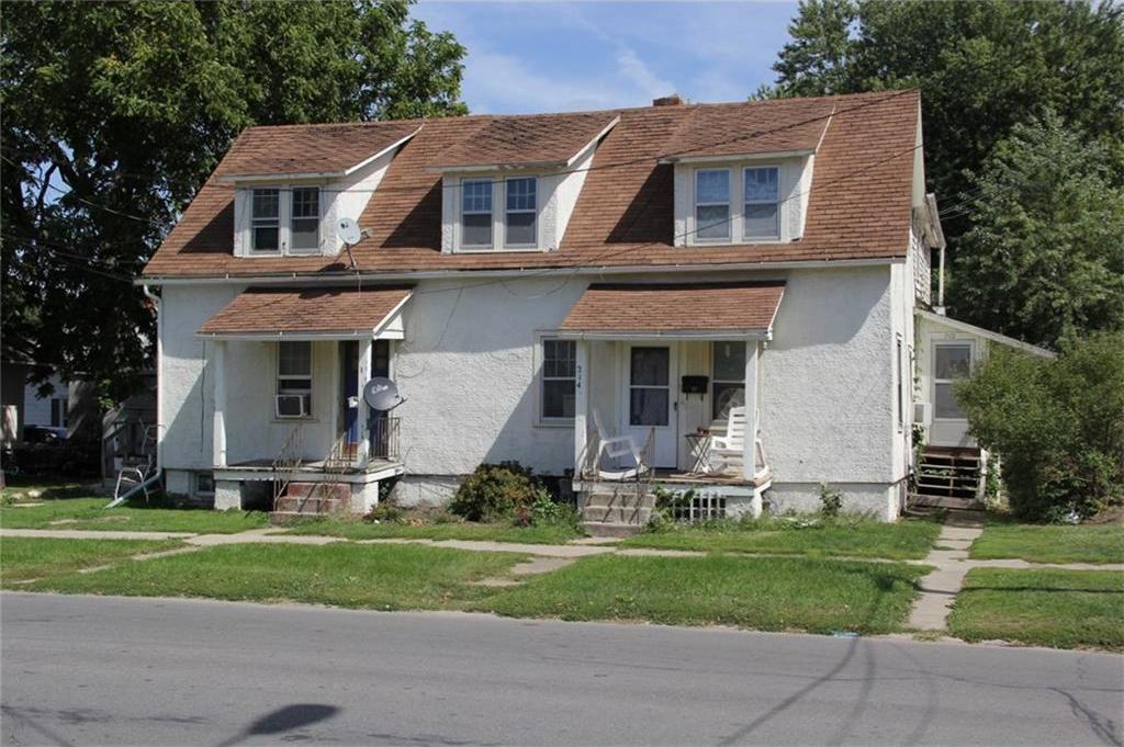 214 E 4th Street N, Newton, IA 50208
