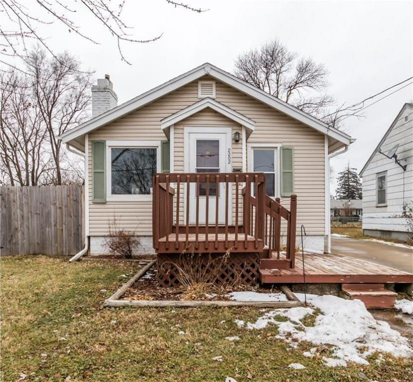 2202 Lay Street, Des Moines, IA 50317