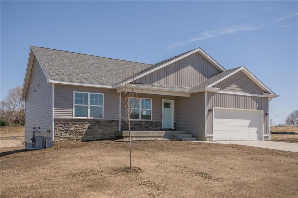 385 Prairie Creek Drive, Pleasant Hill, IA 50327
