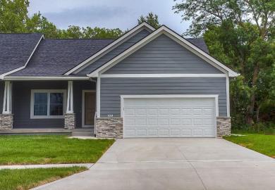1370 Cardinal Ridge Drive, Newton, IA 50208