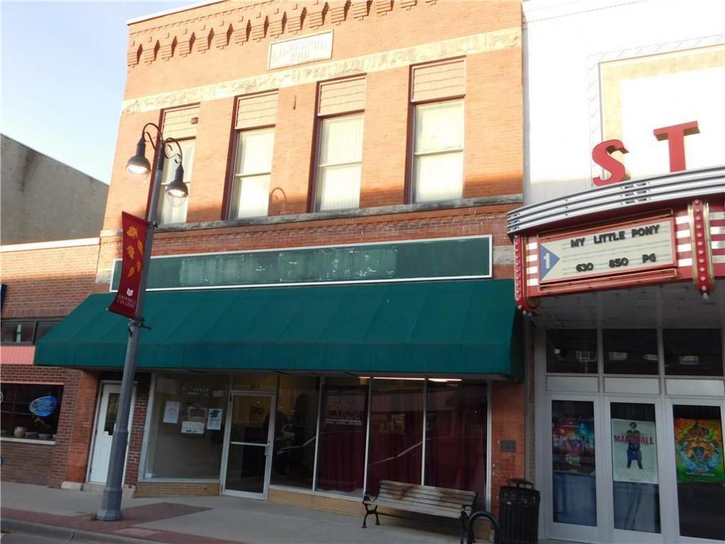 917 Main Street, Grinnell, IA 50112