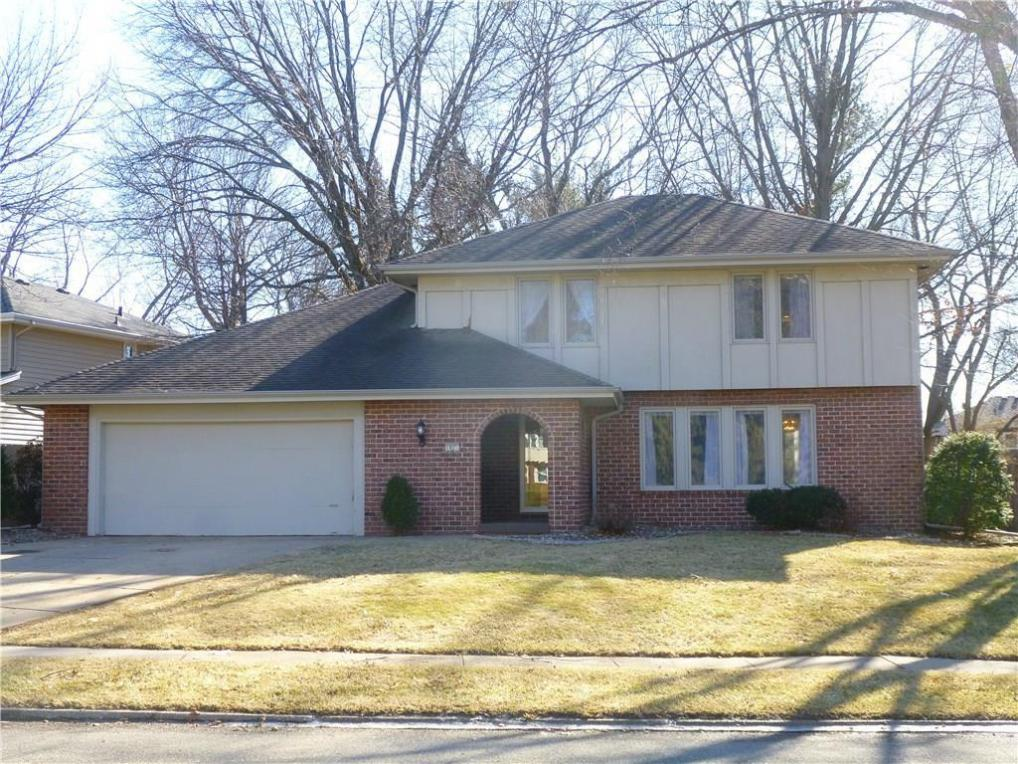1025 Marcourt Lane, West Des Moines, IA 50266