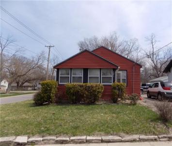 1371 Hutton Street, Des Moines, IA 50316