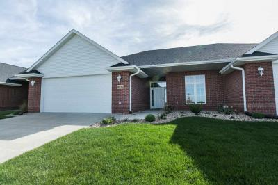 Photo of 16936 Thunder Ridge Drive, Peosta, IA 52068