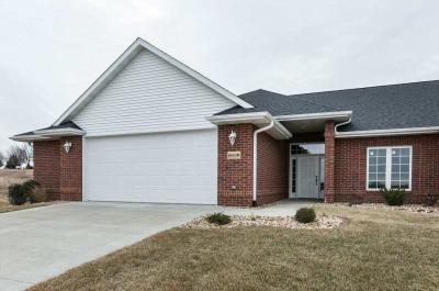 Photo of 16928 Thunder Ridge Drive, Peosta, IA 52068