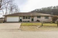 910 N 7th Street, Bellevue, IA 52031