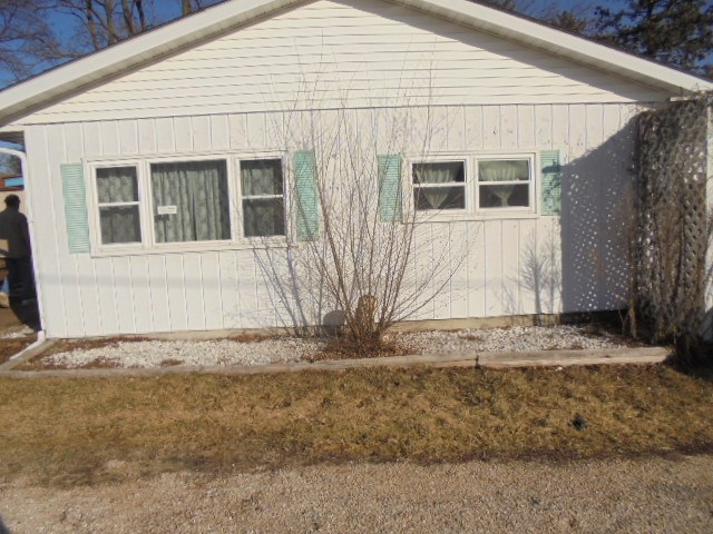 1610 13th Street, Hazel Green, WI 53711