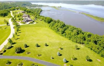 Photo of Lot 15 Grand River Bluffs, Dubuque, IA 52001
