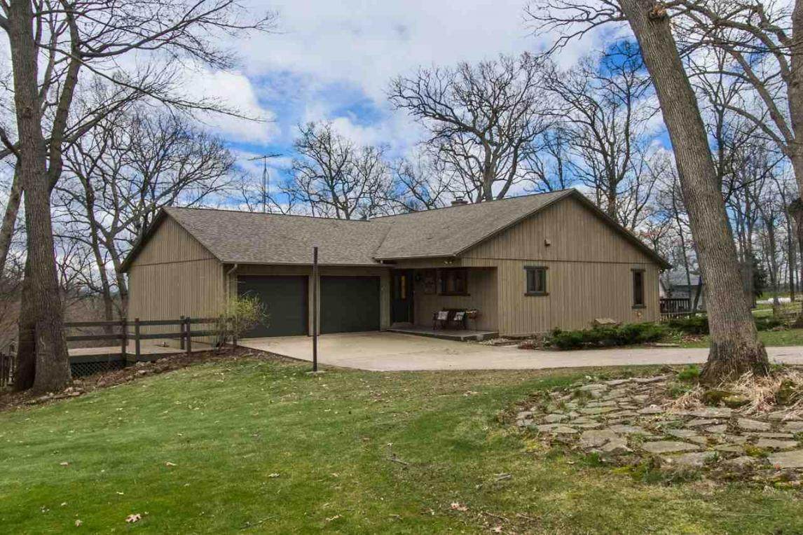 10670 Watters Forest Drive, Dubuque, IA 52003