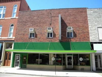 Photo of 1033 Main Street, Dubuque, IA 52001