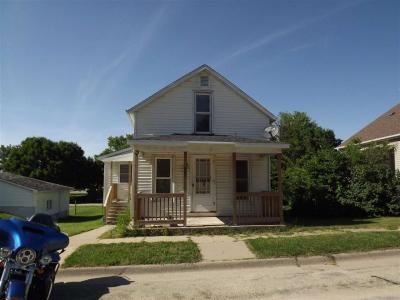 Photo of 807 SE 4th Ave Common, Cascade, IA 52033