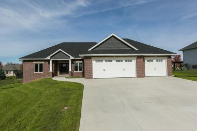 Photo of 16760 Cordillera Drive, Peosta, IA 52068