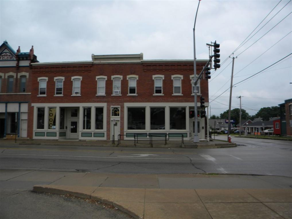 2206 Central Avenue, Dubuque, IA 52001