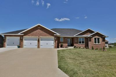 Photo of 9453 Lara Drive, Peosta, IA 52068