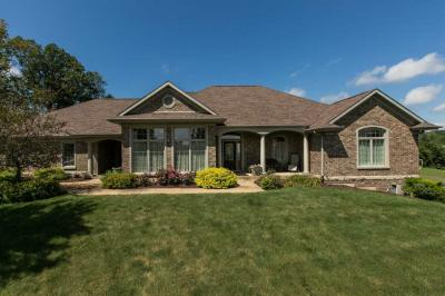 Photo of 14723 Hidden Meadows Drive, Dubuque, IA 52002