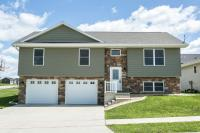 6600 S Wellington Lane, Dubuque, IA 52003
