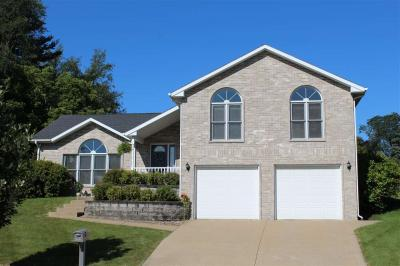 Photo of 3029 Country Cove Court, Dubuque, IA 52001
